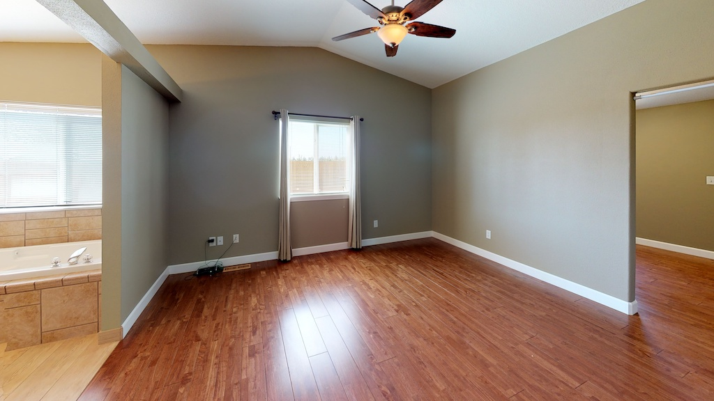 754-NW-Smith-Rock-Way-Terrebonne-OR-97760-Unfurnished-2