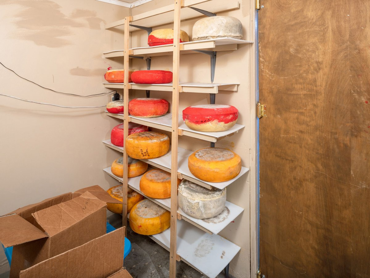 3320_nw_stahancyk_cheese_room_04